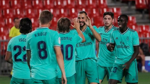 Comemoração Benzema - Granada x Real Madrid