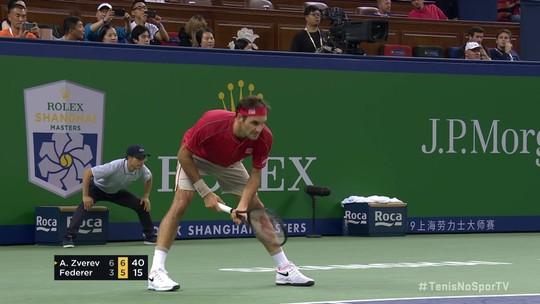 Roger Federer salva três match points e sobrevive contra Alexander Zverev de forma inacreditável