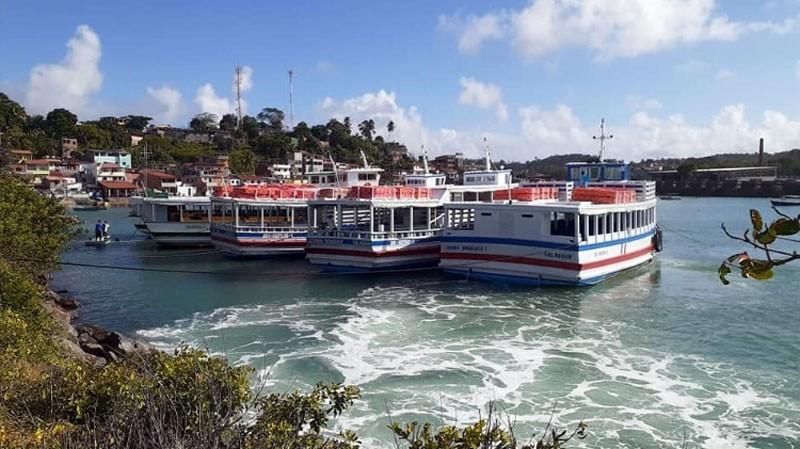 Travessia Salvador - Mar Grande opera com seis embarcações e tem movimento tranquilo neste domingo