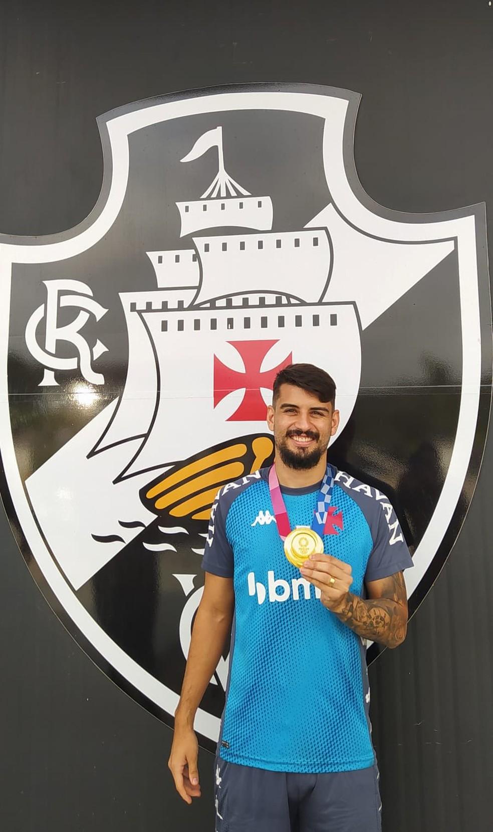Ricardo Graça, campeão olímpico e jogador do Vasco, se reapresentou no CT Moacyr Barbosa nesta quarta-feira — Foto: Carlos Gregório Jr/Vasco