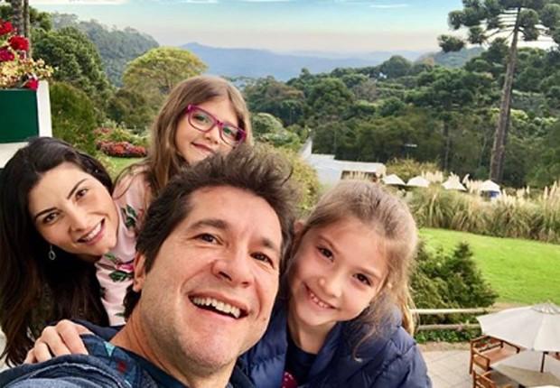 Daniel curte folga com a ulher e as filhas (Foto: Reprodução/Instagram)