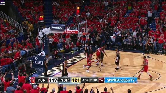 Anthony Davis enterra bola para os Pelicans: 117/121