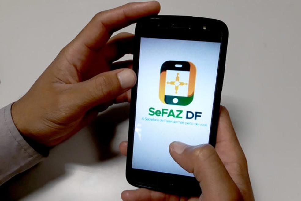 Aplicativo da Secretaria de Fazenda do DF SeFAZ-DF permite acompanhar débitos de IPVA e pagar boletos — Foto: Jorge Cardoso/Agência Brasília
