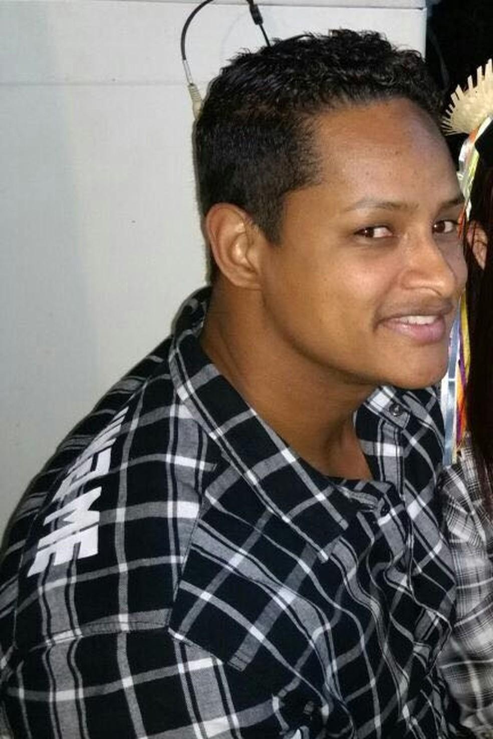 Cabo Thiago Silva foi assassinado na Baixada (Foto: Reprodução/Arquivo pessoal)