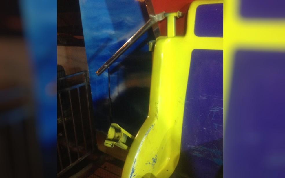 Trava de segurança se solta de brinquedo em parque de diversões de Ceres, Goiás (Foto: Divulgação/ Corpo de Bombeiros)