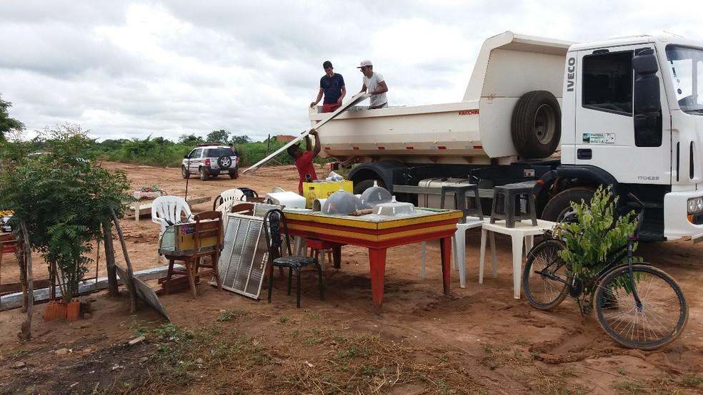 Famílias retornaram para casa de familiares e abrigos da prefeitura (Foto: Polícia Militar/Divulgação)