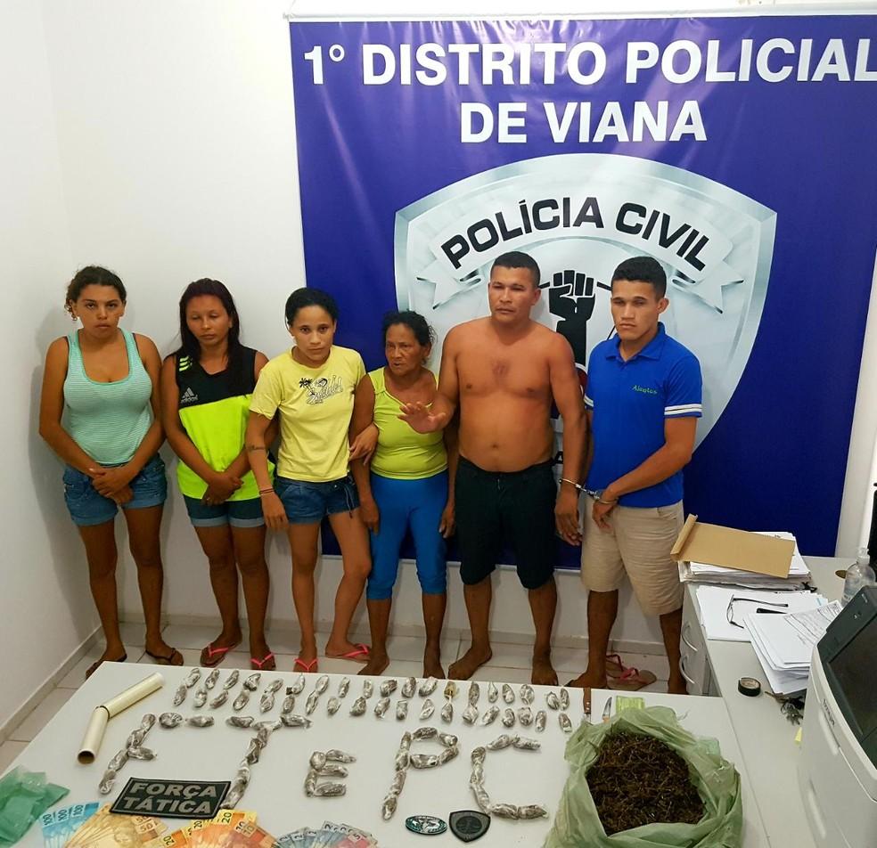 Suspeitos presos serão investigados pelos crimes de associação para o tráfico e tráfico de drogas — Foto: Divulgação/Polícia Civil