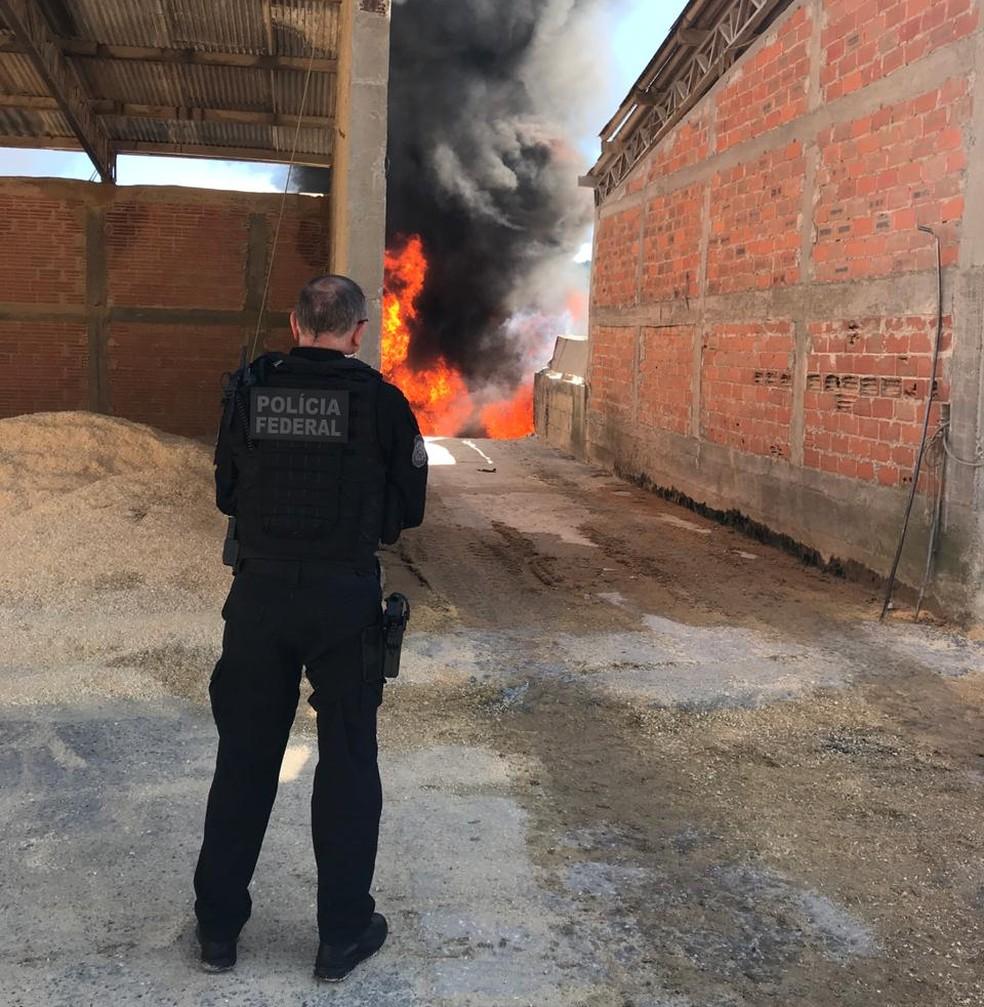 3,6 toneladas de cocaína foram incineradas pela Polícia Federal  — Foto: Divulgação/PF