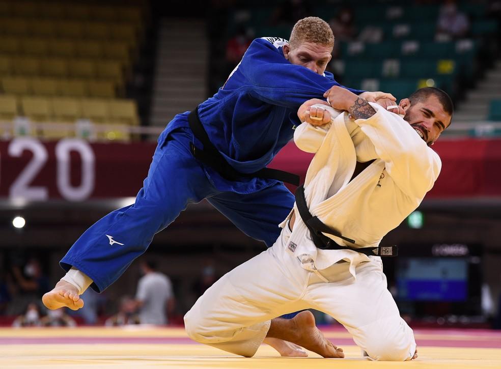 Rafael Buzacarini perde na estreia e está fora dos Jogos Olímpicos de Tóquio — Foto: REUTERS