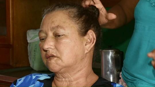 Mulher que levou mais de mil picadas de abelhas em Cascavel volta ao hospital um dia depois de receber alta