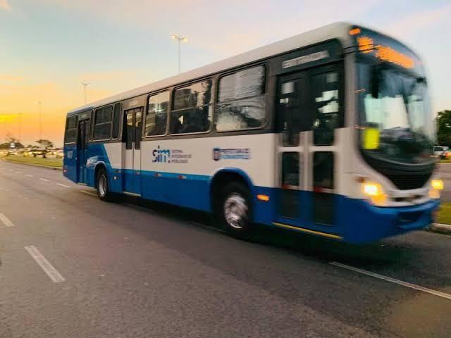 Florianópolis inclui mais de 500 horários de ônibus e retorna 5 linhas