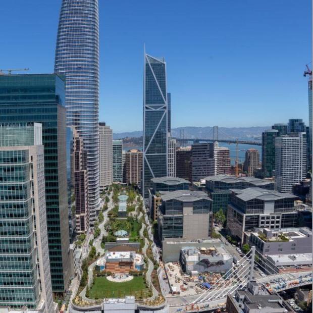 Transbay Park, parque no topo de um prédio em meio aos arranha-céus de São Francisco (Foto: Facebook/Transbay Transit Center Project)