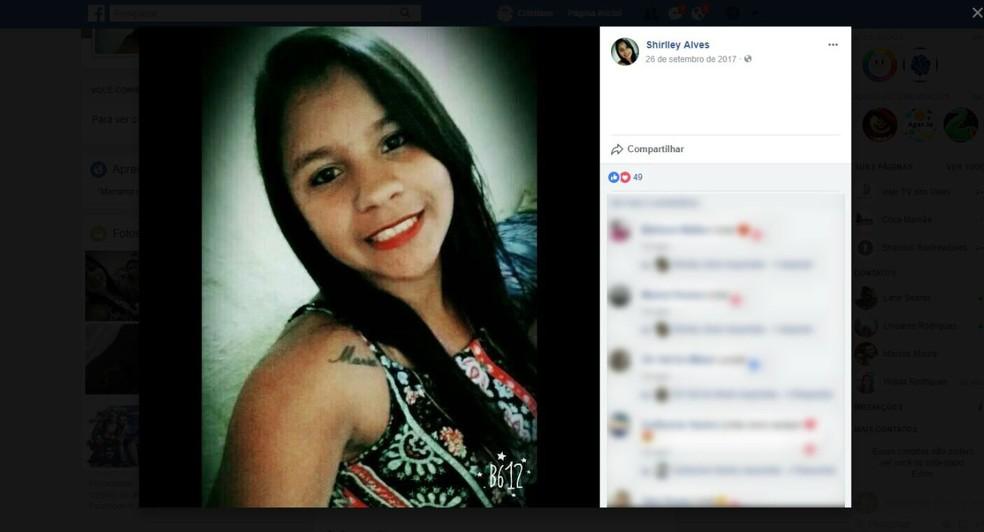 Srirley Ledres Rocha foi morta com vários tiros (Foto: Reprodução/ Facebook)