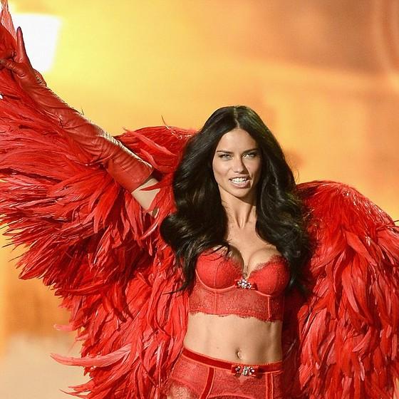 Adriana Lima é uma das angels mais antigas da Victoria's Secret (Foto: Getty Images)