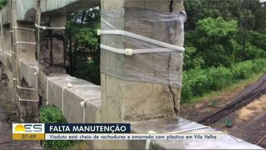 Mureta de viaduto é amarrada com abraçadeiras de plástico em Vila Velha, ES