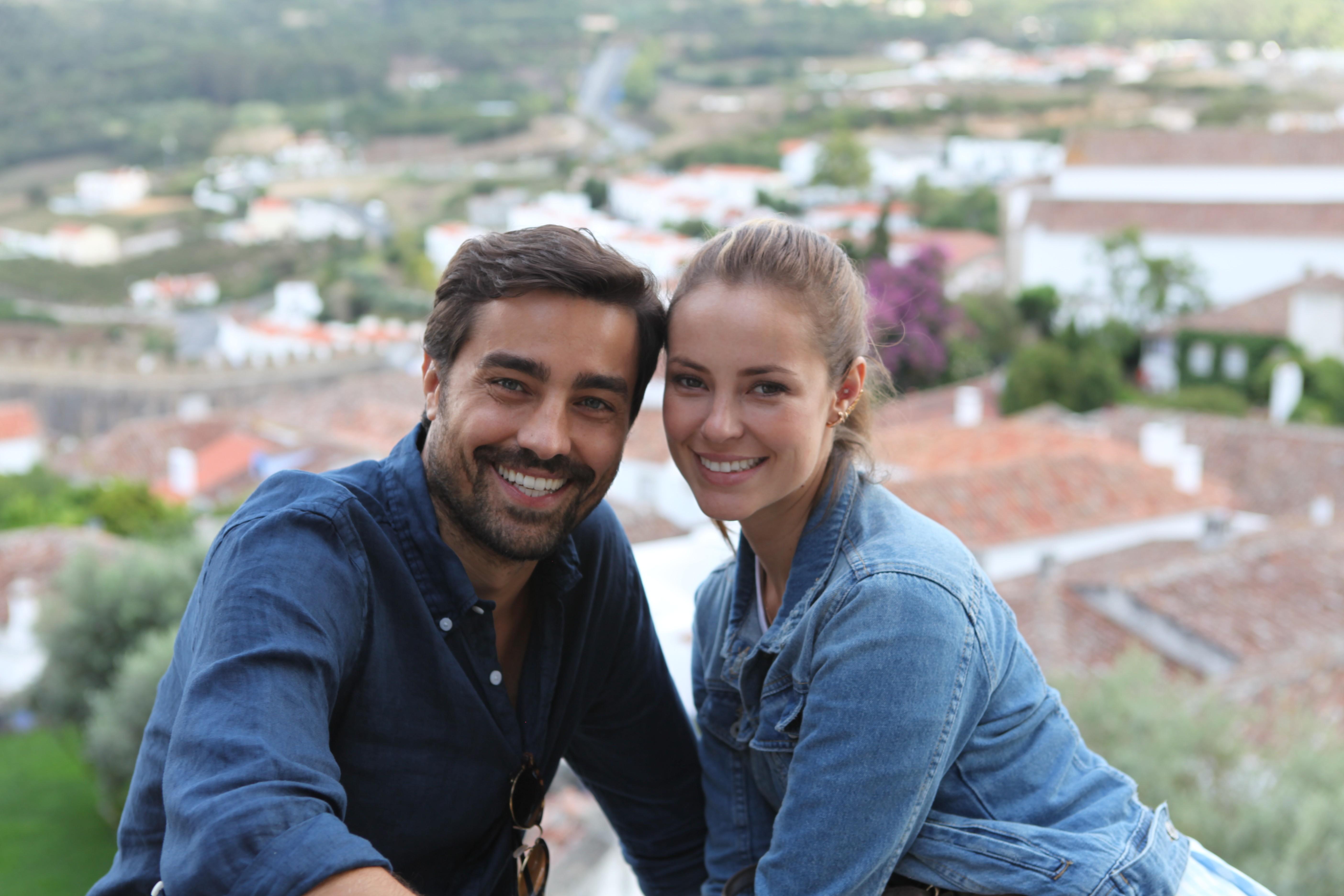 Paolla Oliveira e Ricardo Pereira tentam aproximar Brasil e Portugal em comédia romântica com 'quê de novela'