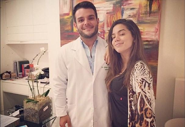 Dr. Theo e Anitta (Foto: Divulgação)