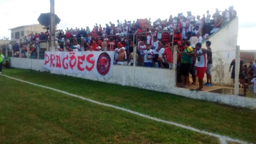 Jogo vai contar com torcidas dos dois times no Leandrão (Foto: João Ricardo Barbosa / Globoesporte.com)