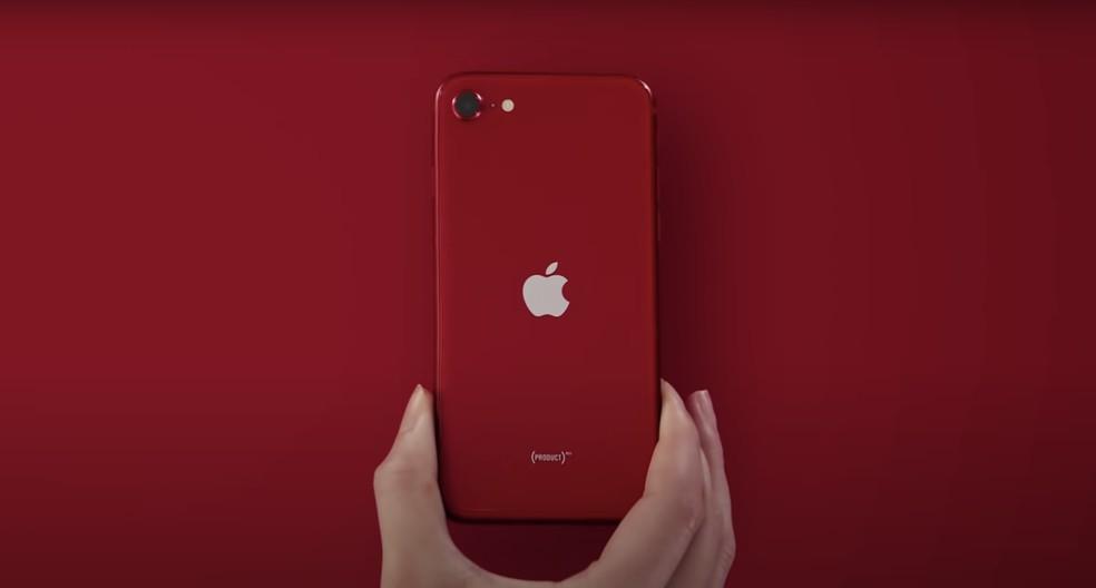 iPhone SE 2020 tem câmera traseira de 12 MP — Foto: Divulgação/Apple