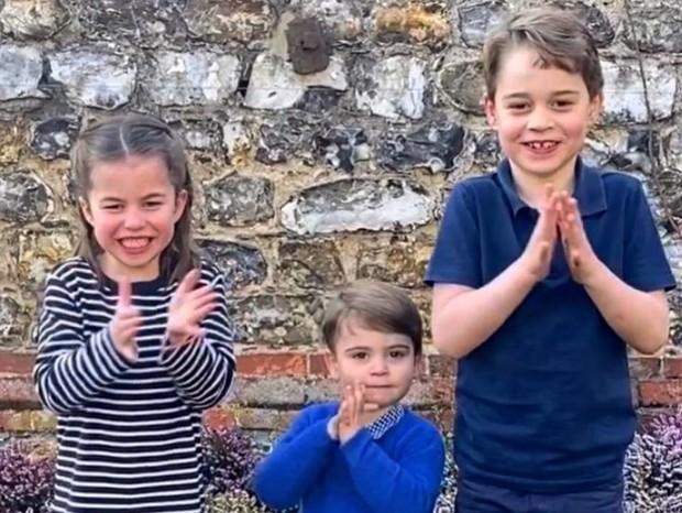 filhos de kate middleton e principe william aplaudem agentes de saude quem quem news filhos de kate middleton e principe