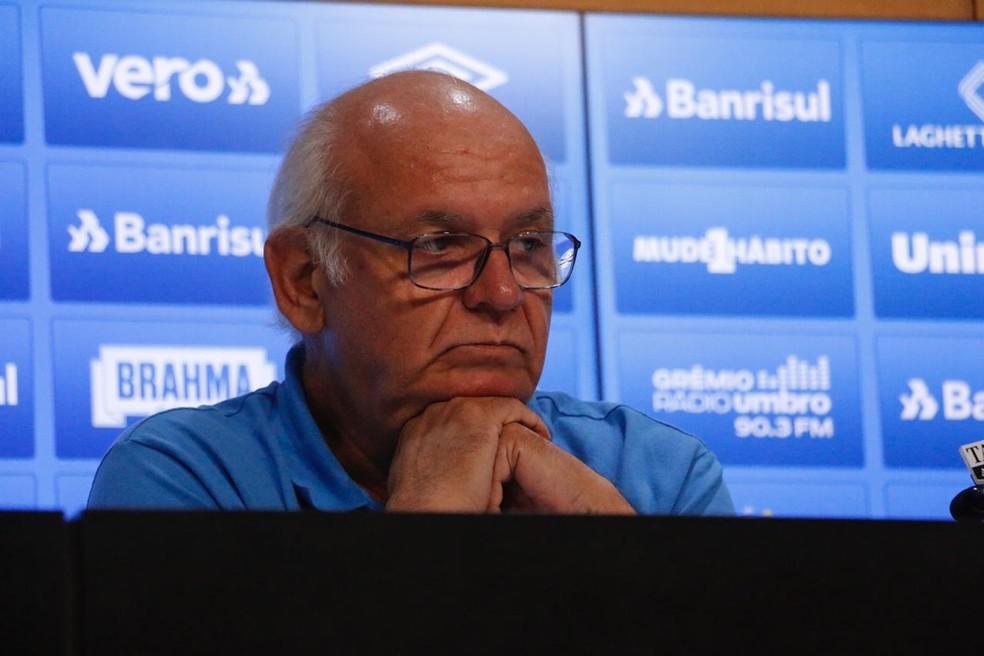 Romildo Bolzan admitiu chance de negócio por Luan  — Foto: Tomás Hammes / GloboEsporte.com
