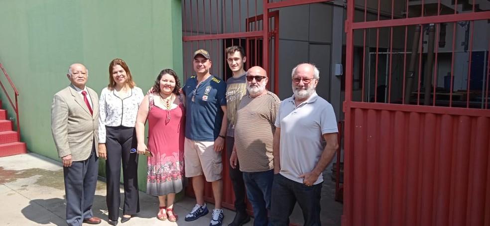 Senador Flávio Bolsonaro visitou laboratórios da Unir nesta quarta-feira (7).  — Foto: Arquivo pessoal