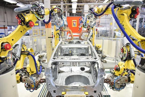 As fábricas da Volkswagen irão abrir gradativamente pelo mundo (Foto: Divulgação)
