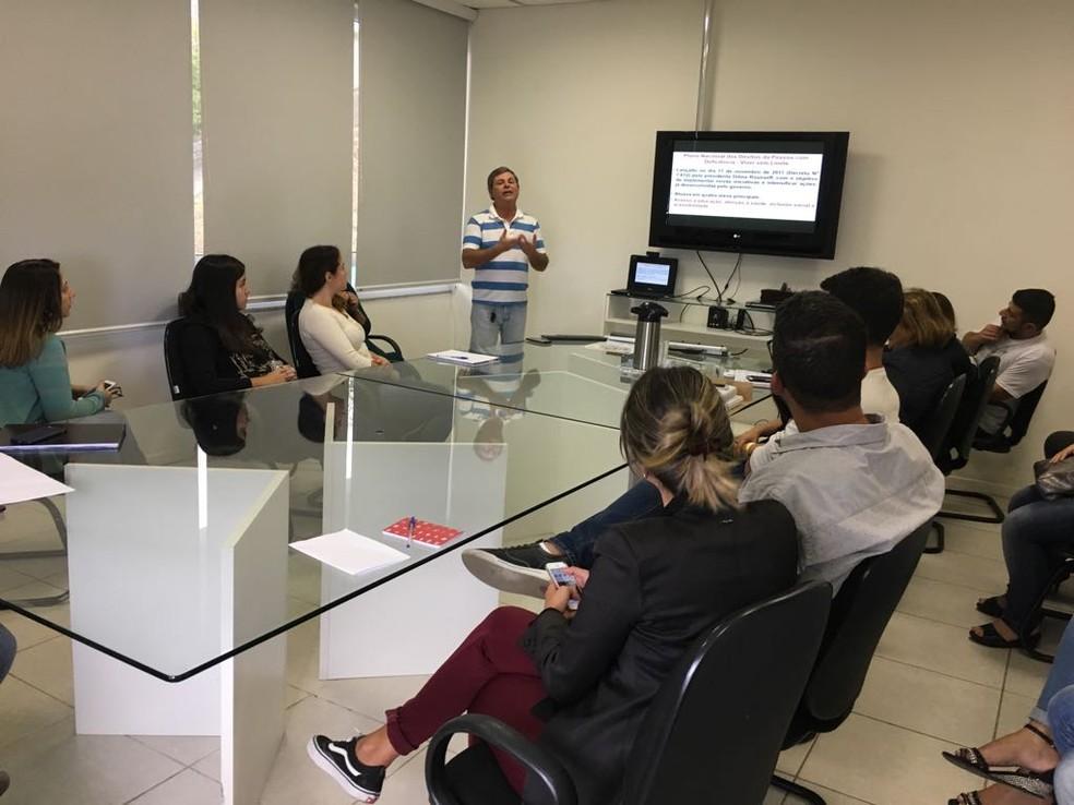 Equipe do jornalismo da emissora participou da reunião  — Foto: Inter TV/ Divulgação
