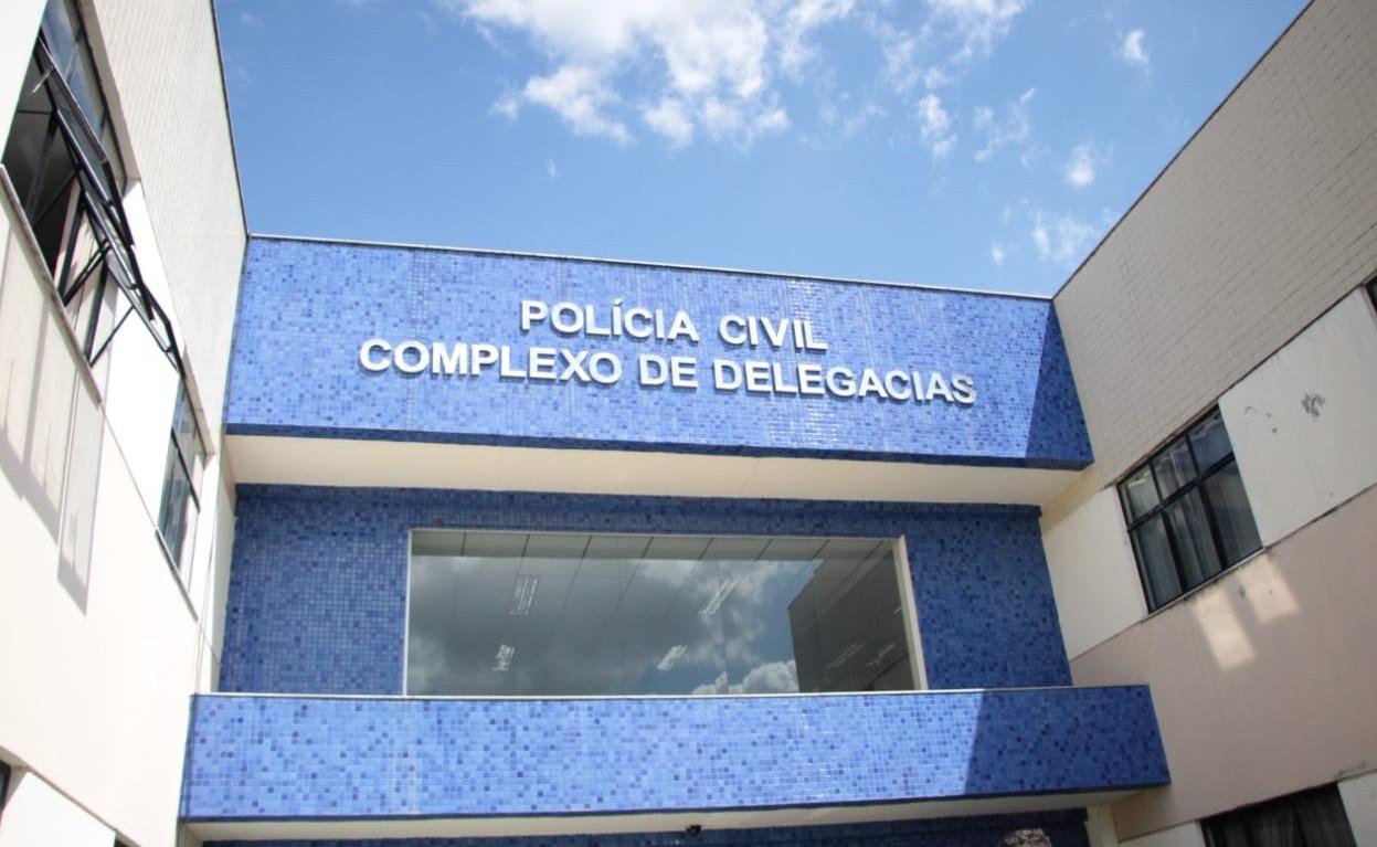 Homens invadem escola em Feira de Santana e roubam celulares e dinheiro de funcionários