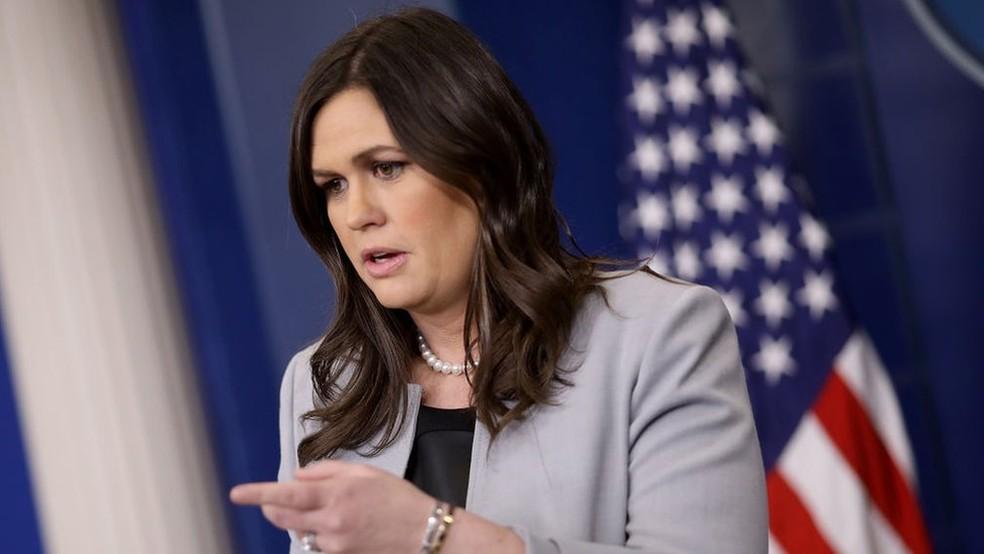 -  A porta-voz da Casa Branca, Sarah Sanders, disse que o presidente americano nega todas as afirmações de Daniels  Foto: Getty Images