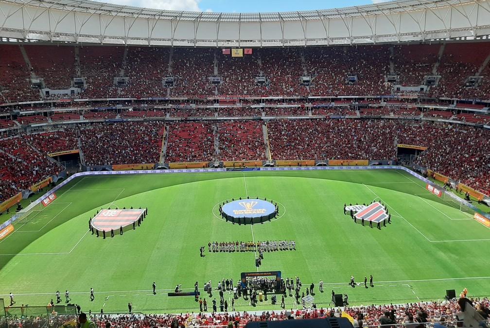 Flamengo x Athletico-PR pela Supercopa do Brasil, no Mané Garrincha — Foto: Felipe Schimdt/GloboEsporte.com