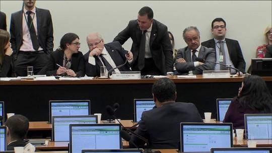 Comissão da Câmara aprova 'distritão' para eleição de deputados