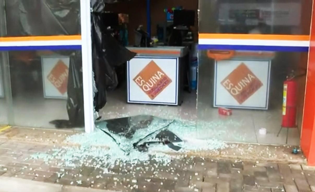 Homem é preso suspeito de arrombar e roubar produtos de loja no bairro da Pituba, em Salvador