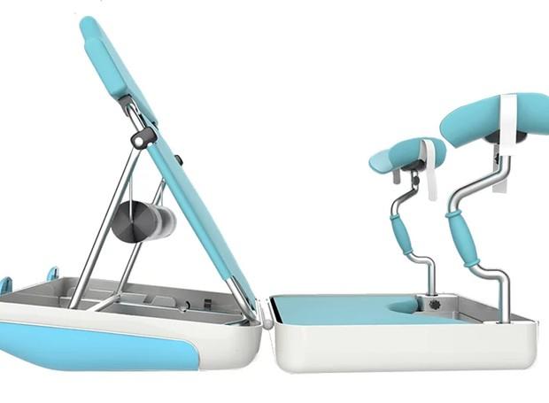 A cadeira respeita a forma tradicional de parto oferecida por muitos hospitais (Foto: Designboom/ Reprodução)