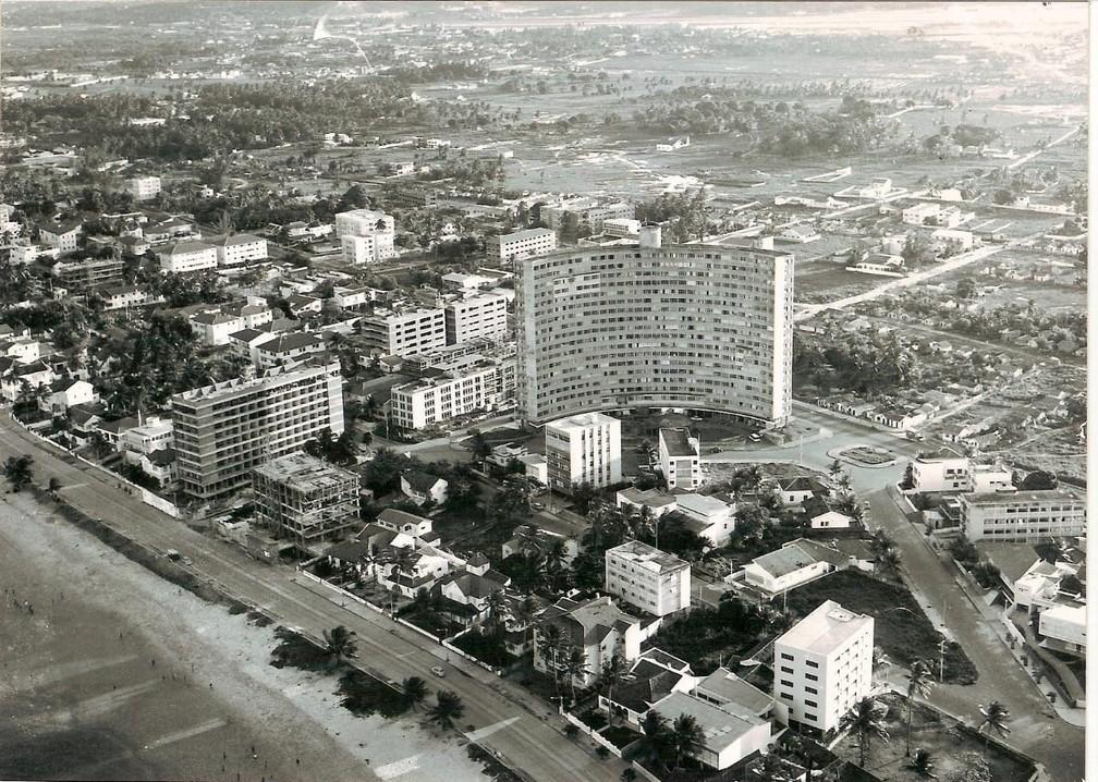 Edifício Holiday foi um dos primeiros arranha-céus do Recife — Foto: Reprodução/Redes Sociais