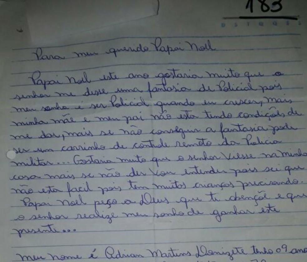Garoto de Itatiba pediu 'fantasia da PM' em carta ao Papai Noel (Foto: Bárbara Leão/Jornal da Região)
