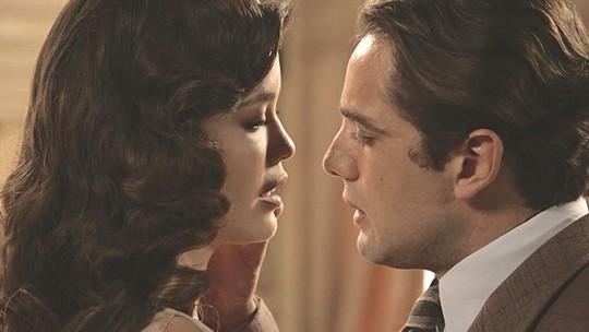 Relembre os momentos românticos de Julia Castelo e Danilo Breton
