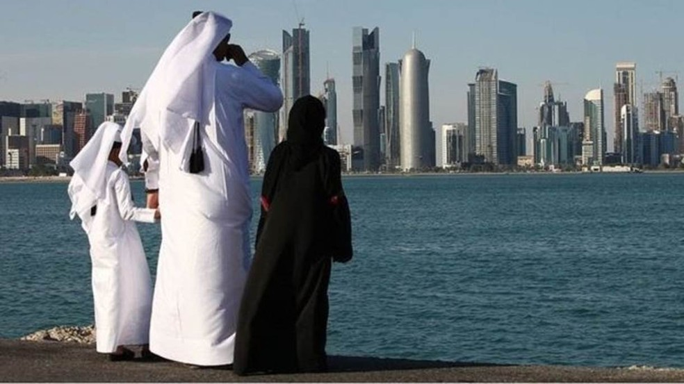 As maiores temperaturas foram observadas sobre o Golfo Pérsico e áreas terrestres imediatamente adjacentes — Foto: Getty Images via BBC