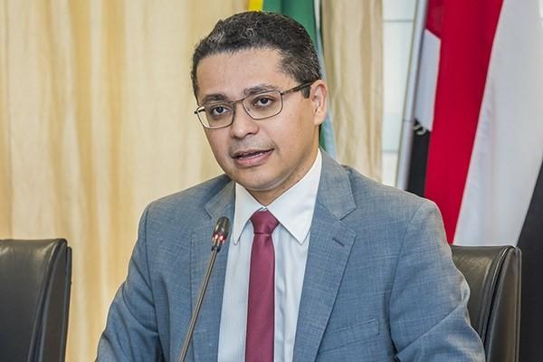 Covid-19: MA reservou R$ 50 milhões para compra de doses da vacina no exterior, diz secretário