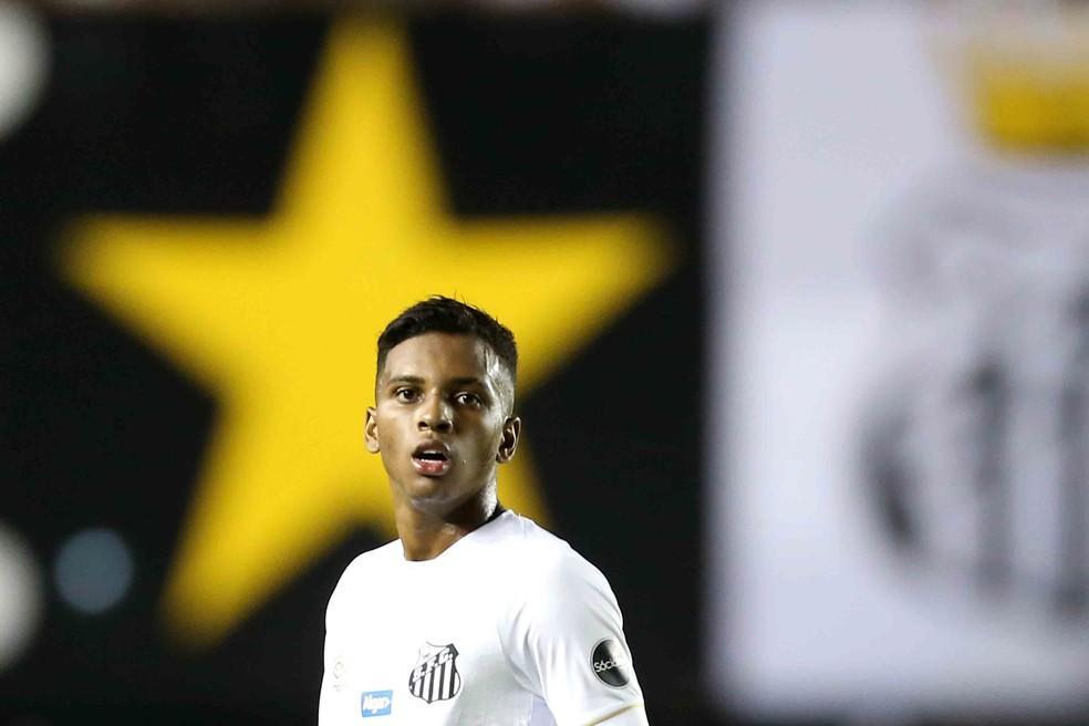 Rodrygo voltou ao time titular e fez o segundo gol do Santos — Foto:  GUILHERME DIONíZIO/CÓDIGO19/ESTADÃO CONTEÚDO