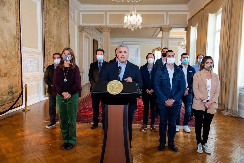 Ivan Duque durante anúncio sobre a desistência do projeto de reforma tributária, em 2 de maio de 2021 — Foto: Divulgação/Presidência da Colômbia/Via Reuters