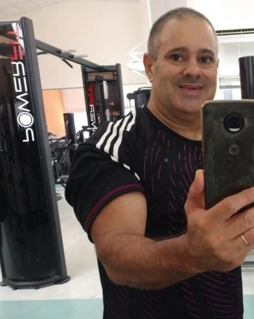 Agnaldo Rodrigues foi achado morto ao lado do corpo de Mário Sabino — Foto: Reprodução/Facebook