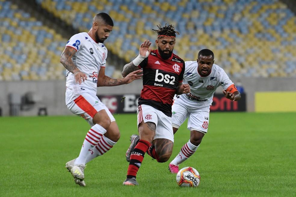 Veja os melhores momentos de Bangu 0x3 Flamengo, pelo Campeonato Carioca