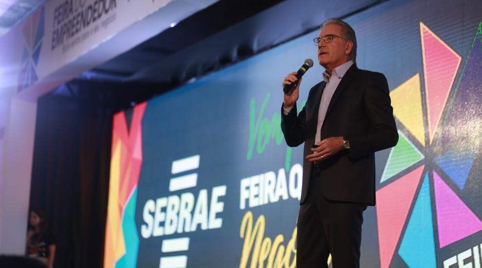 Roberto Justus se apresenta na Feira do Empreendedor Pará 2018; empresário até distribuiu dinheiro para a plateia (Foto: Divulgação)