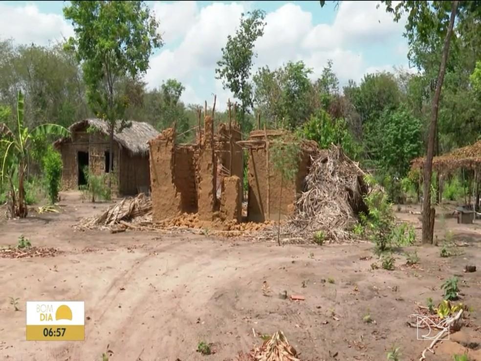 Casas de quilombolas foram destruídas em Matões — Foto: Reprodução/TV Mirante