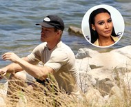 Ex-marido de Naya Rivera chora à beira de lago em que atriz desapareceu