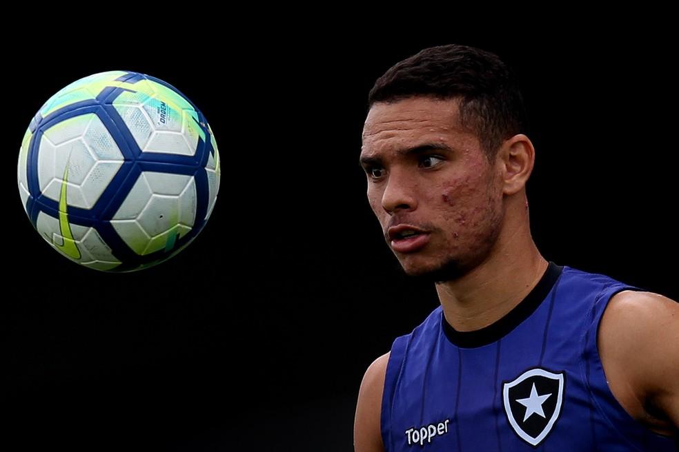 Luiz Fernando, do Botafogo, foi nome pedido pelo São Paulo na negociação — Foto: Vitor Silva/SSPress/Botafogo