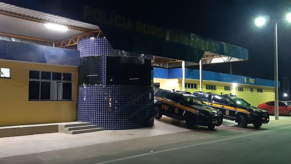 Prefeito eleito de Angicos e esposa sofrem acidente na Reta Tabajara — Foto: Sérgio Henrique Santos/Inter TV Cabugi