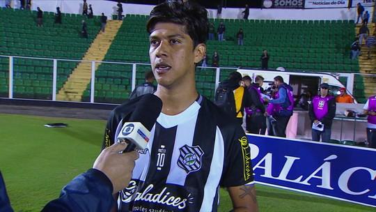 """Betinho nega propostas e reforça felicidade no Figueira: """"Cabeça está aqui"""""""
