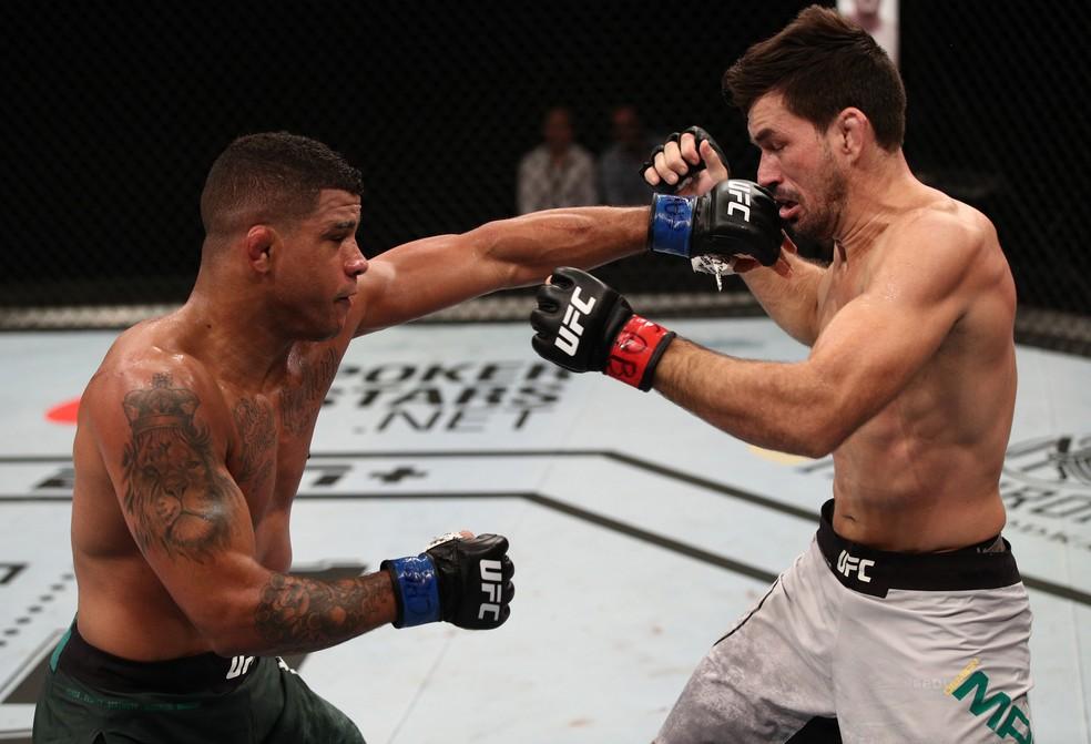 Gilbert Durinho nocauteou Demian Maia no UFC Brasília — Foto: Getty Images